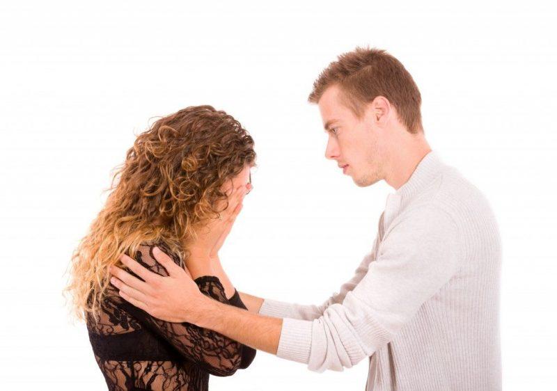 Женится - разведется, но вероятнее не женится никогда, потому что летние не хотят, а летние не устраивают.