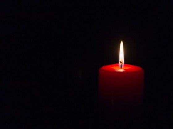 Приворот на красной церковной свечи