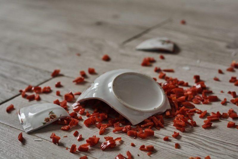 этого картинки разбитые блюдца некоторых моделях кухонных