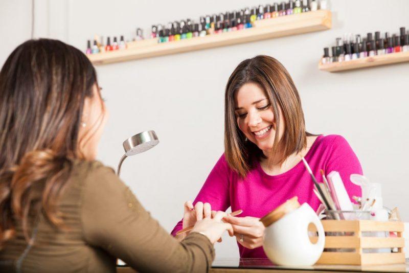 Заговор на привлечение клиентов и покупателей: как читать