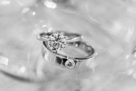 Можно ли дарить кольцо парню или девушке