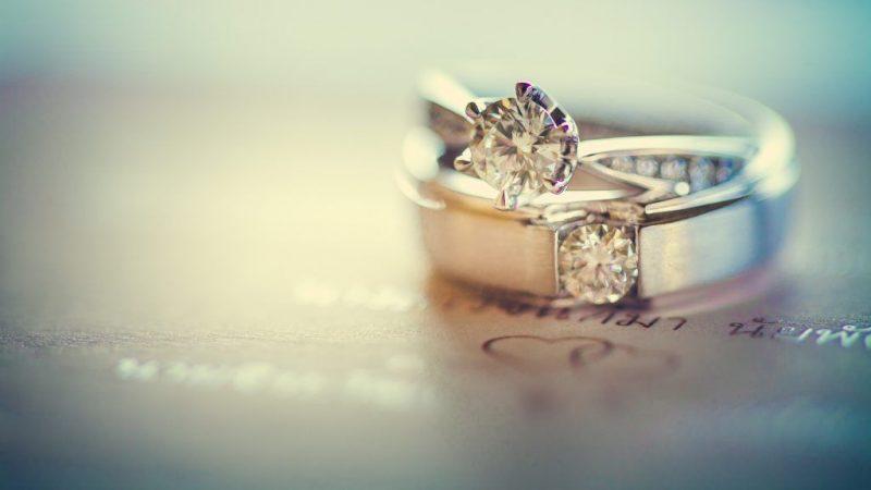 Приметы про обручальные кольца какими должны быть свадебные символы