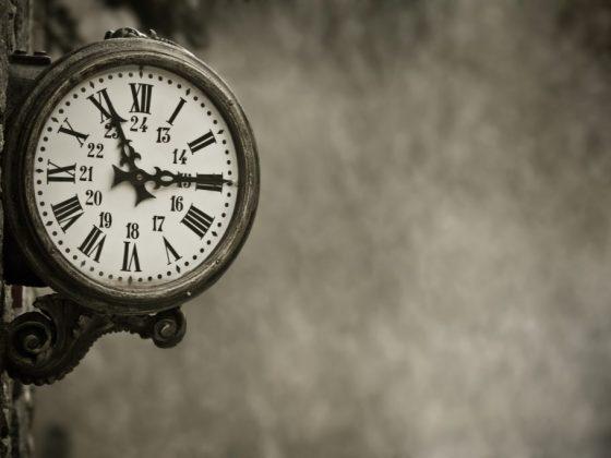 Часы символизируют расставание