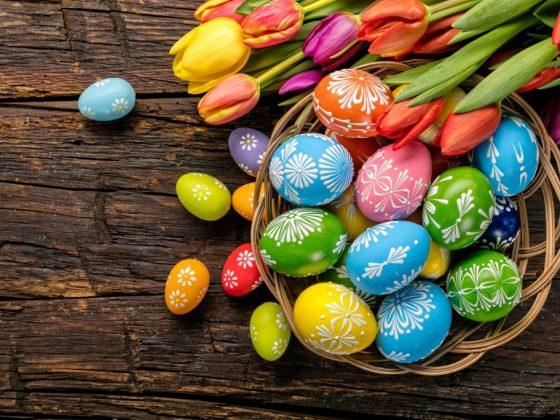 Праздничные яйца нужно осветить