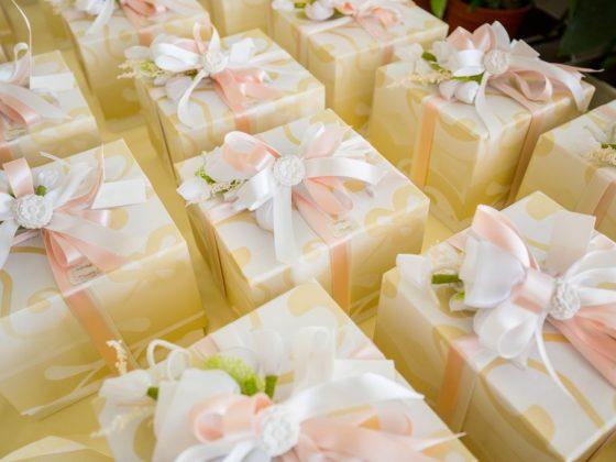 Приметы связанные с подарком на свадьбу