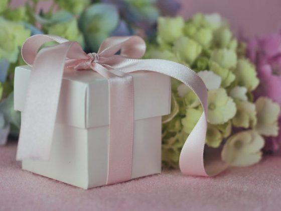 Хорошим подарком станет скатерть