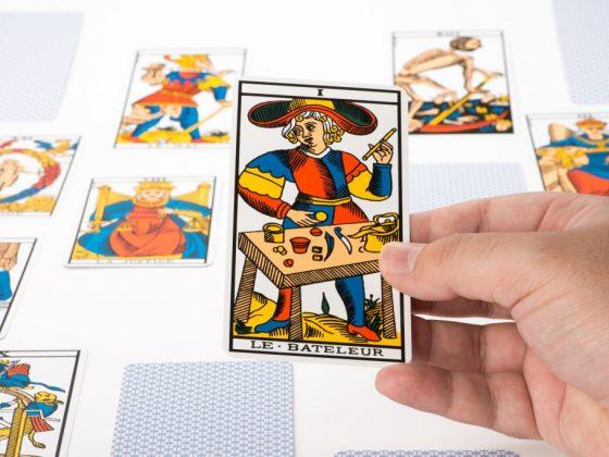 Таро Маг с другими картами