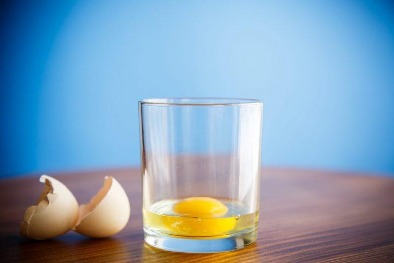 Как проводить гадание на яйце и воде толкование значение фигур