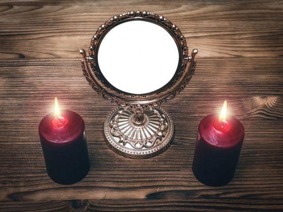 Способы гадания с зеркалом и свечами на суженого