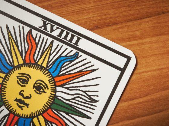 Таро Солнце имеет 19 порядковый номер