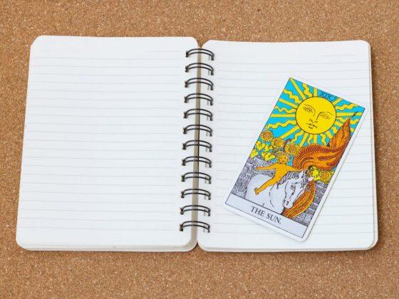 Значение карты Таро Солнце в сочетании с другими арканами