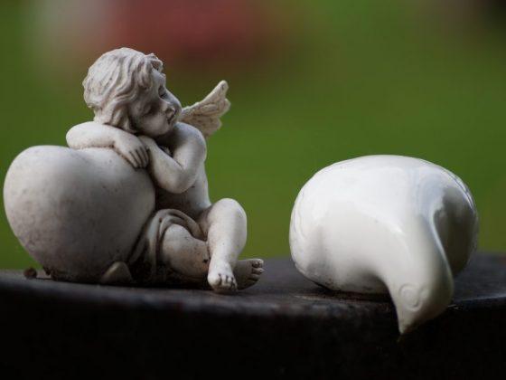 Гадание помогает в решении любовных проблем