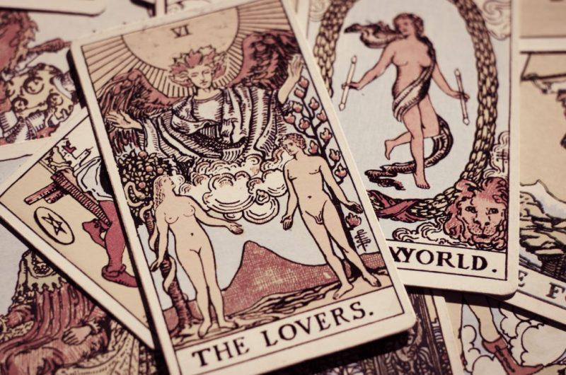 Влюбленные в сочетании с другими картами Таро: значение