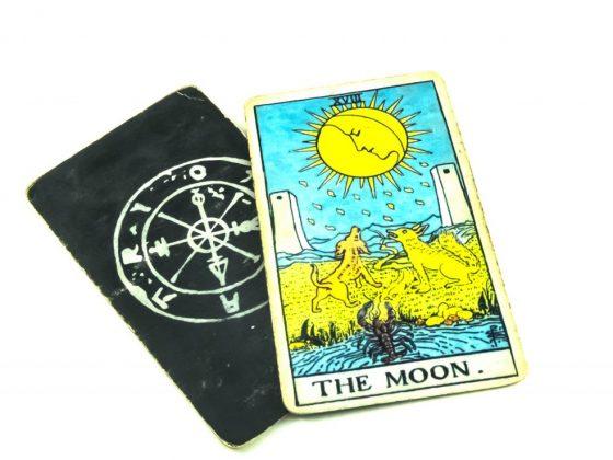 Таро Луна в сочетании с другими картами
