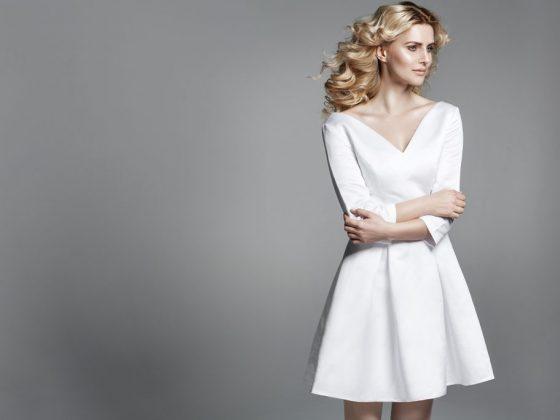 Если девушка во сне примеряет белое платье, значит ей изменяет избранник