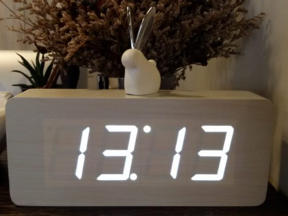 Значение одинаковых цифр на часах