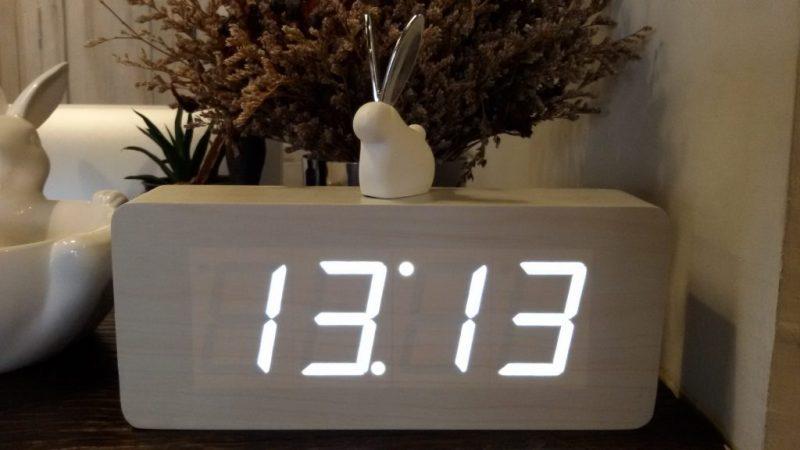 Гадание на часах одинаковые цифры: что означают одинаковые и зеркальные цифры на часах? Повторяющиеся цифры на часах: приметы, ангельская нумерология — значение одинаковых цифр на часах