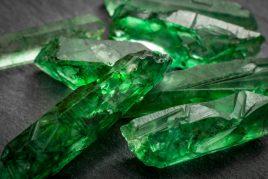 Камень Хризолит — «вечерняя» разновидность изумруда