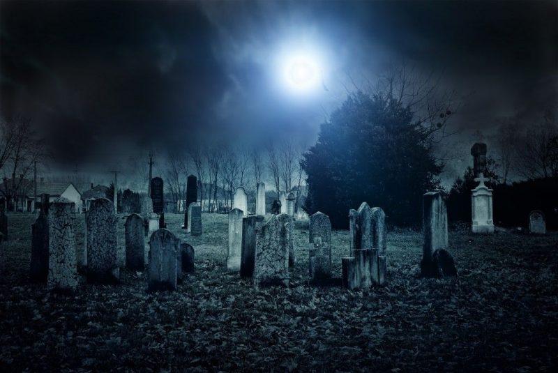 Приворот на кладбище - самые популярны ритуалы