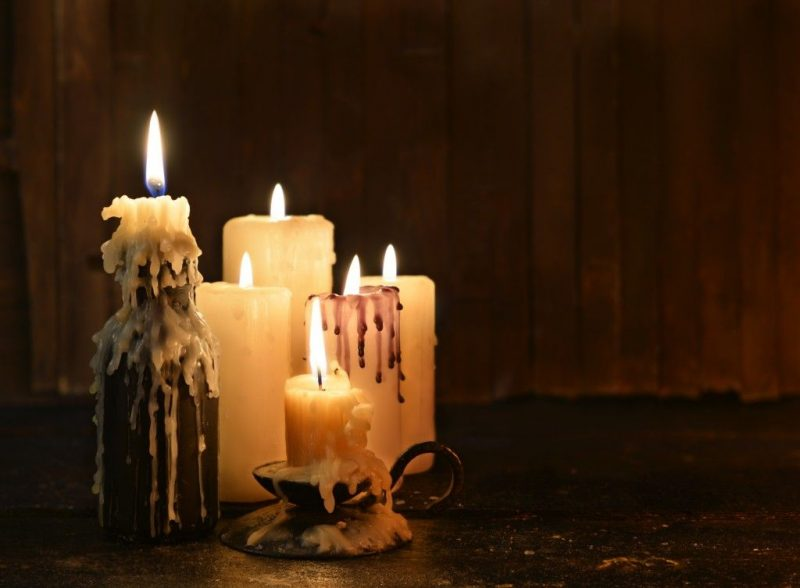 Приворот на мужчину читать в домашних условиях на свечи